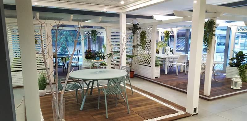 Mobili giardini trevi for Arredamento da giardino milano