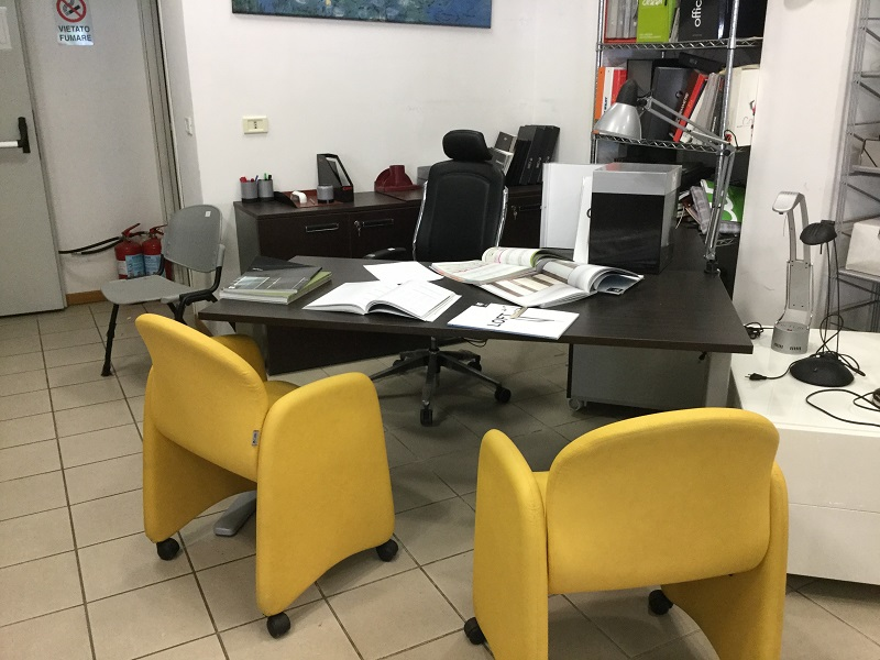 Poltrone Per Ufficio Roma.Poltrone Ufficio Portale Arredamento Ufficio Roma Paginesi