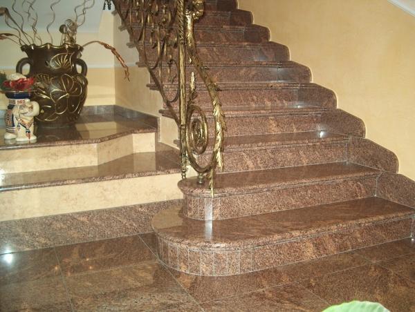 Costantino marmi lavorazione e commercio marmi graniti - Scale in granito per interni ...