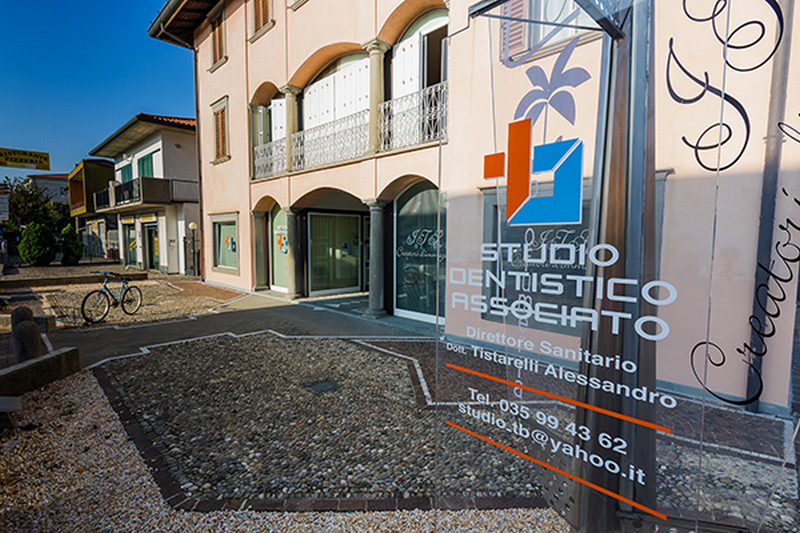 STUDIO DENTISTICO ASSOCIATO TB BERGAMO - 1