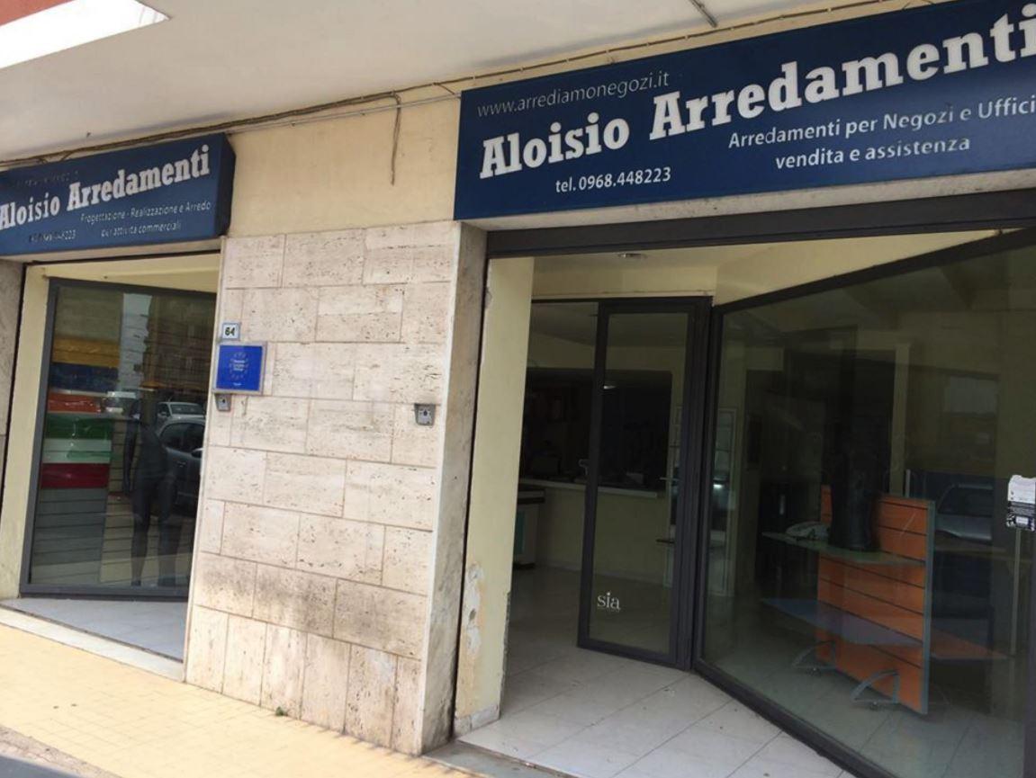 Arredamento Ufficio Cosenza : Arredamento per negozi cosenza provincia paginesi!