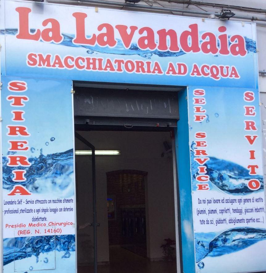 La lavandaia lavanderia self service lavaggio capi ad for Lavanderia self service catania
